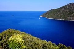 Bahía de Antisamos en la isla del kefalonia Foto de archivo