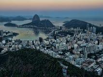 Bahía de Botafogo en la puesta del sol Foto de archivo