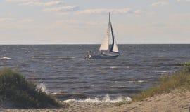 Bahía de Dealware del barco de vela Imagen de archivo libre de regalías
