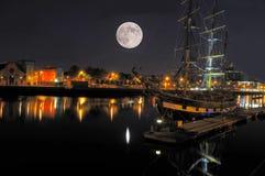 Bahía de Dublín en la noche Foto de archivo