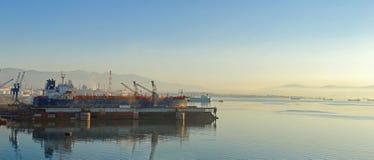 Bahía de Eleusis, Atica - Grecia foto de archivo