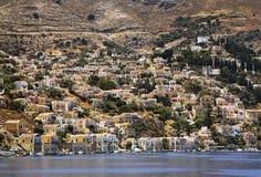 Bahía de Gialos en Ano Symi Grecia Imagen de archivo