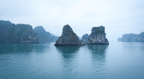 Bahía de Halong Imágenes de archivo libres de regalías