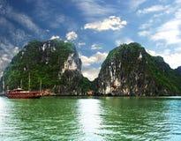 Bahía de Halong Fotos de archivo libres de regalías