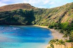 Bahía de Hanauma, popular para nadar y bucear, Oahu, Hawaii fotografía de archivo