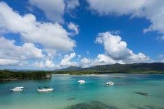 Bahía de Kabira en la isla de Ishigaki, Okinawa Japan Foto de archivo