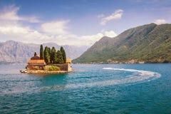 Bahía de Kotor e isla de San Jorge montenegro Foto de archivo