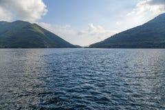 Bahía de Kotor, Montenegro. Fotografía de archivo