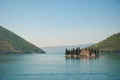 Bahía de la iglesia de Kotor fotografía de archivo