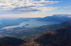 Bahía de la península de Kotor y de Lustica montenegro Imagen de archivo libre de regalías