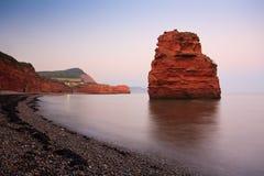 Bahía de Ladram en Devon, Reino Unido foto de archivo