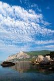 Bahía de Laspi después del amanecer. El Mar Negro, Crimea. Imagenes de archivo