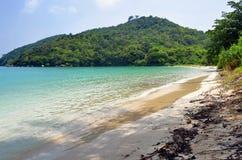 Bahía de Loh Lana en la isla de Phi Phi Imagenes de archivo