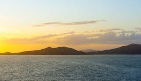 Bahía de Noumea de la puesta del sol Imagen de archivo libre de regalías