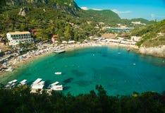 Bahía de Paleokastritsa, isla de Corfú, Grecia Foto de archivo libre de regalías