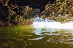 Bahía de Phang Nga de la cueva fotos de archivo