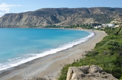 Bahía de Pissouri en playa de Cyprus Fotos de archivo