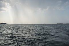 Bahía de Sevastopol en la tormenta Fotos de archivo