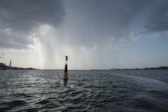 Bahía de Sevastopol en la tormenta Foto de archivo libre de regalías