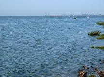 Bahía de Taganrog en el mar de Azov cerca de la ciudad de Taganrog Imagen de archivo libre de regalías
