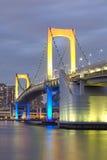 Bahía de Tokio y puente del arco iris imagenes de archivo