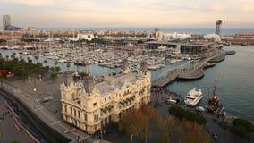Bahía del puerto deportivo en Barcelona metrajes