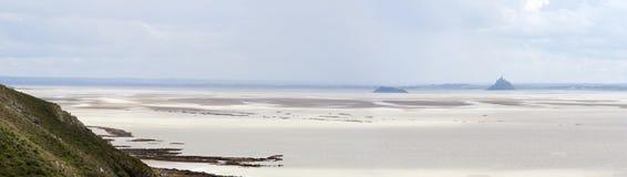Bahía del Saint Michel de Mont durante la bajamar Fotos de archivo libres de regalías