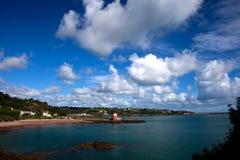 Bahía del St Catherines y torre de Archirondel Fotos de archivo libres de regalías