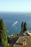 Bahía del taormina Sicilia Fotos de archivo libres de regalías