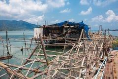 Bahía en el pueblo pesquero de la explosión Bao Foto de archivo libre de regalías