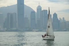 Bahía en el tiempo de mañana, Hong Kong, China de Victoria Foto de archivo libre de regalías