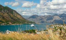 Bahía en Kotor Montenegro imagenes de archivo