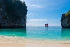 Bahía hermosa en el mar de Andaman foto de archivo libre de regalías