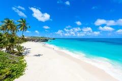 Bahía inferior - playa del paraíso en la isla caribeña de Barbados imagen de archivo libre de regalías