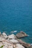 Bahía límpida de Lingshui de la isla del límite Fotos de archivo libres de regalías