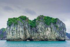 Bahía larga de la ha, ojeada 3 de Vietnam Fotografía de archivo