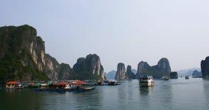 Bahía larga de la ha, Vietnam Imágenes de archivo libres de regalías