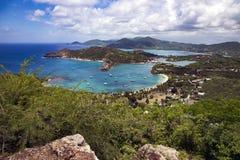 Bahía preciosa en la isla de Antigua Foto de archivo libre de regalías