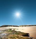 Bahía rocosa de Northumberland foto de archivo libre de regalías