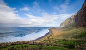 Bahía salvaje Calhau das Achadas de la isla de Madeira Fotografía de archivo libre de regalías