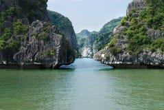 Bahía Vietnam de Halong Fotos de archivo libres de regalías