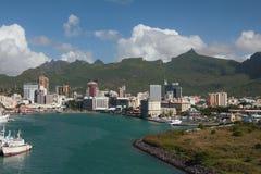 Bahía y ciudad del mar Port Louis, Isla Mauricio Foto de archivo