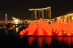 Bahía y fuente del puerto deportivo de Singapur Fotos de archivo libres de regalías