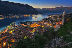 Bahía y puesta del sol de Kotor Imagen de archivo libre de regalías
