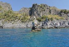 Bahía y roca de los muertos Imagen de archivo libre de regalías