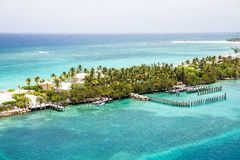 Bahama Beach Homes on Narrow Strip of Land Royalty Free Stock Photography