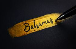 Bahamas Handwriting tekst na Złotym farby muśnięcia uderzeniu fotografia stock