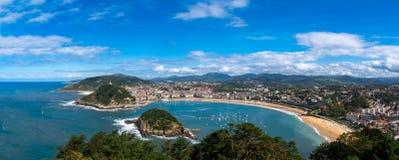 Bahia de la Concha aan San Sebastian in Spanje stock foto's