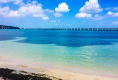 Bahia Honda-Nationalpark mit Brücke lizenzfreie stockfotos