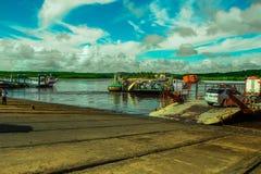 Bahia Porto Seguro Ferry para o transporte do veículo Imagem de Stock Royalty Free